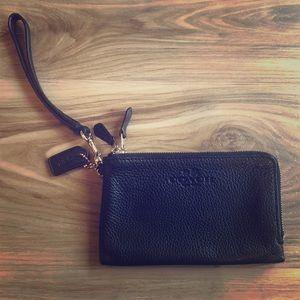 Coach Double Zip Small Wristlet Wallet ~ Black